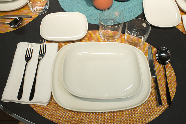 Weekly Table Setting Clean Lines and Color & Weekly Table Setting: Clean Lines and Color \u2014 Didriks
