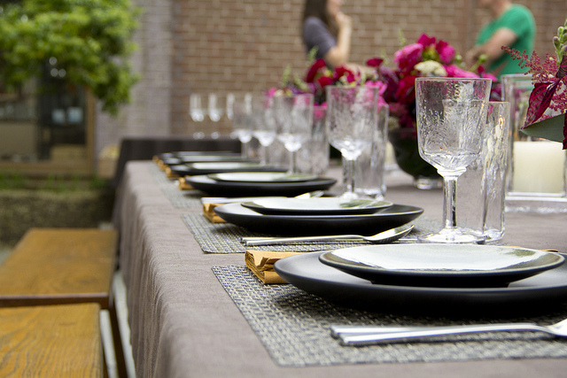 Weekly Table Setting: Welcome to the Neighborhood