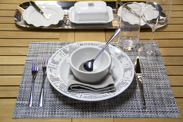 weekly table setting a french influence — didriks ~ Geschirr Grau
