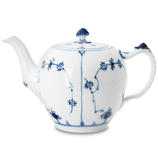 Blue-Fluted-Plain-Tea-pot-554