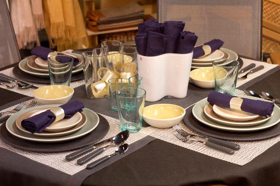 fall table setting with heath ceramics coupe and iittala teema plates and a libeco vence tablecloth