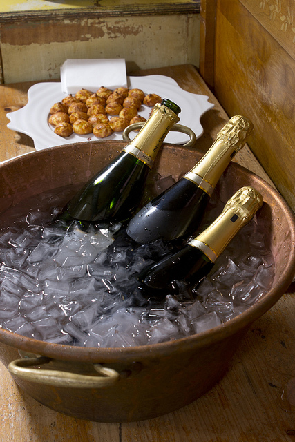 Champagne and gougeres