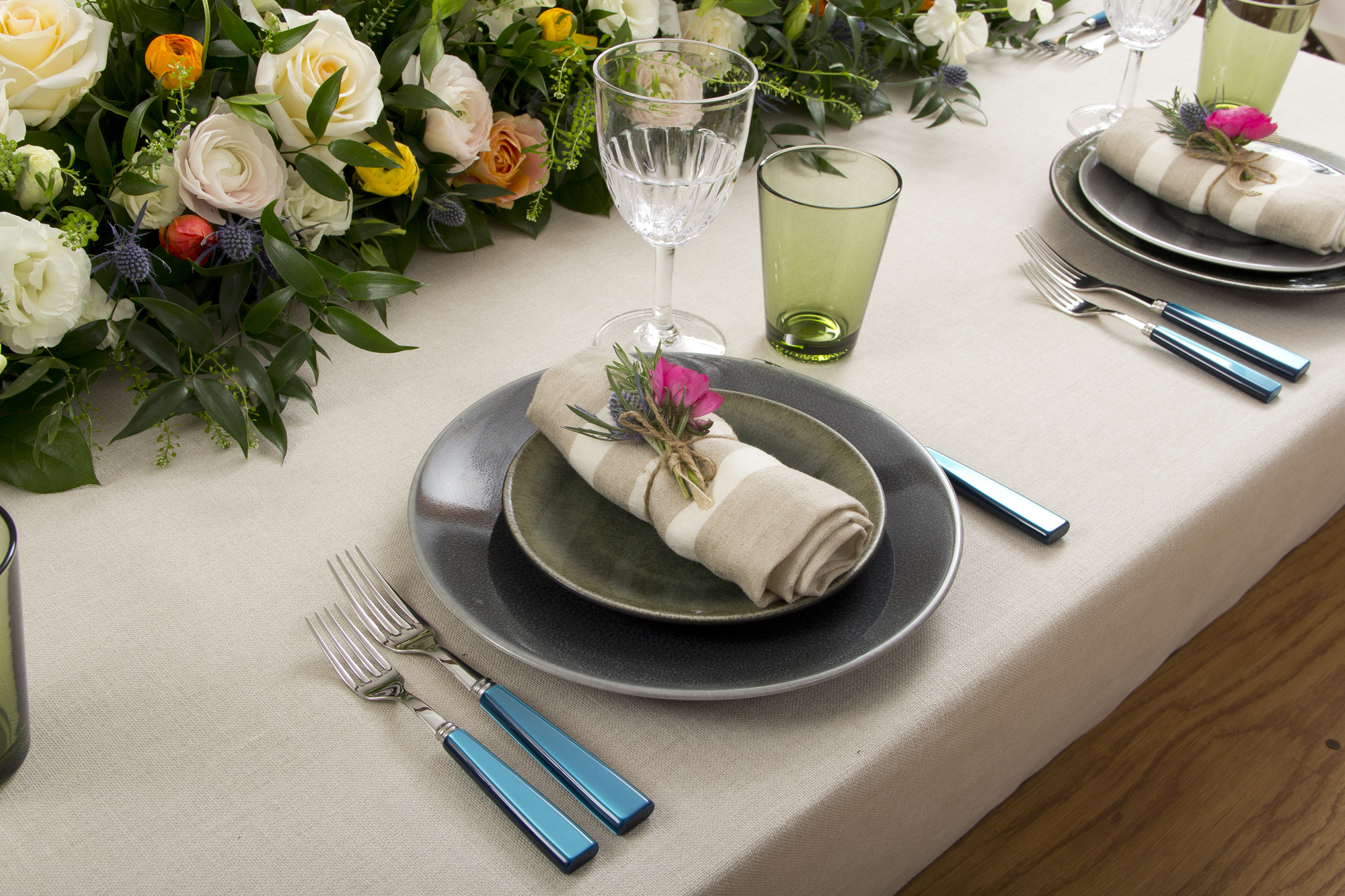 Dinner Series 30 Table Setting