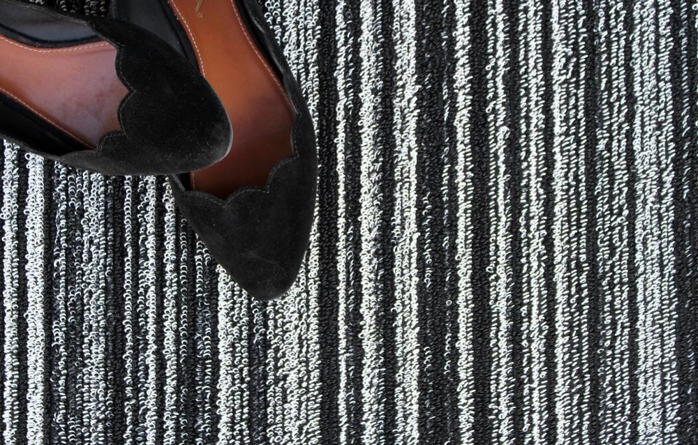 Chilewich 2 x 3 Plynyl Shag Utility Mat  in Zebra