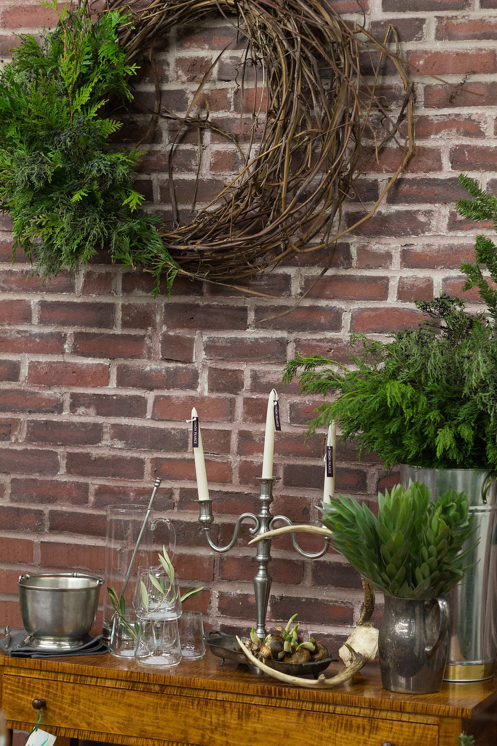 Wreath, centerpiece, and styling by Observatory Boutique