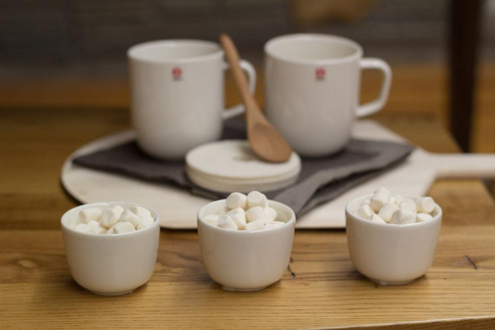 iittala Sarjaton Letti Mugs and espresso cups, Verso Rinki felt coasters, Jonathan's spoons Marmalade Spoon