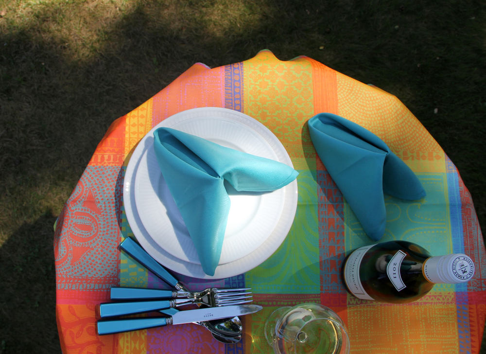 Garnier-Thiebaut coated cotton table linen