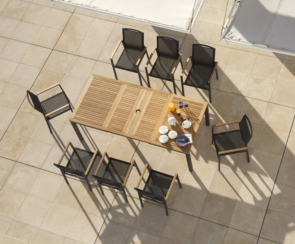Outdoor Entertaining Checklist:  - ⎕ Outdoor Seating⎕ Wine + Beer Glasses⎕ Placemats⎕  Serving Pieces⎕ Tablecloths⎕ Outdoor Lighting (for ambiance)