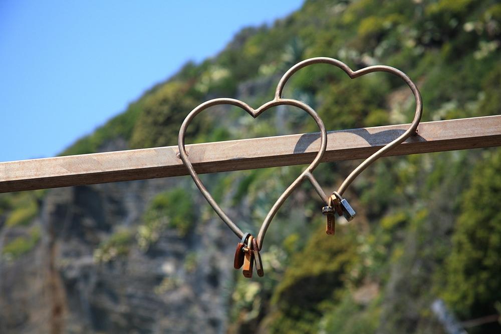 hearts in cinque terre.jpg