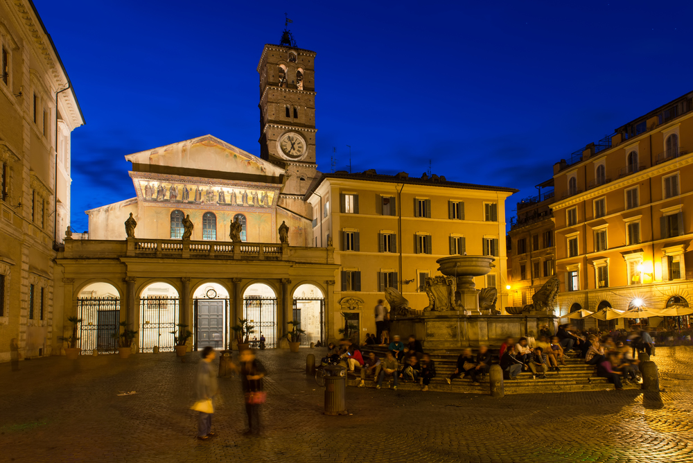Santa Maria in Trastevere at night.jpg