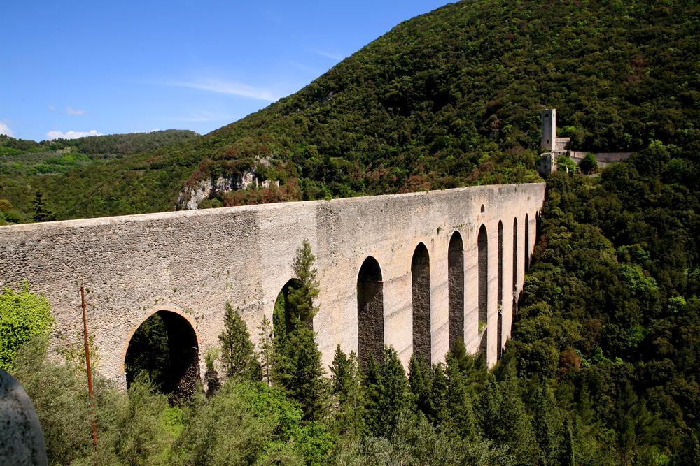 spoleto aqueduct.jpg