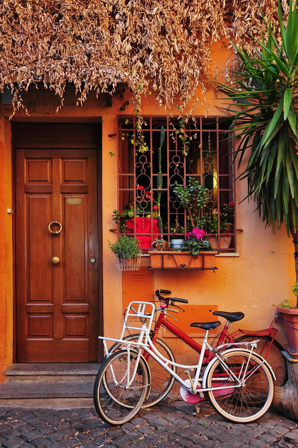 Bikes in Trastevere.jpg