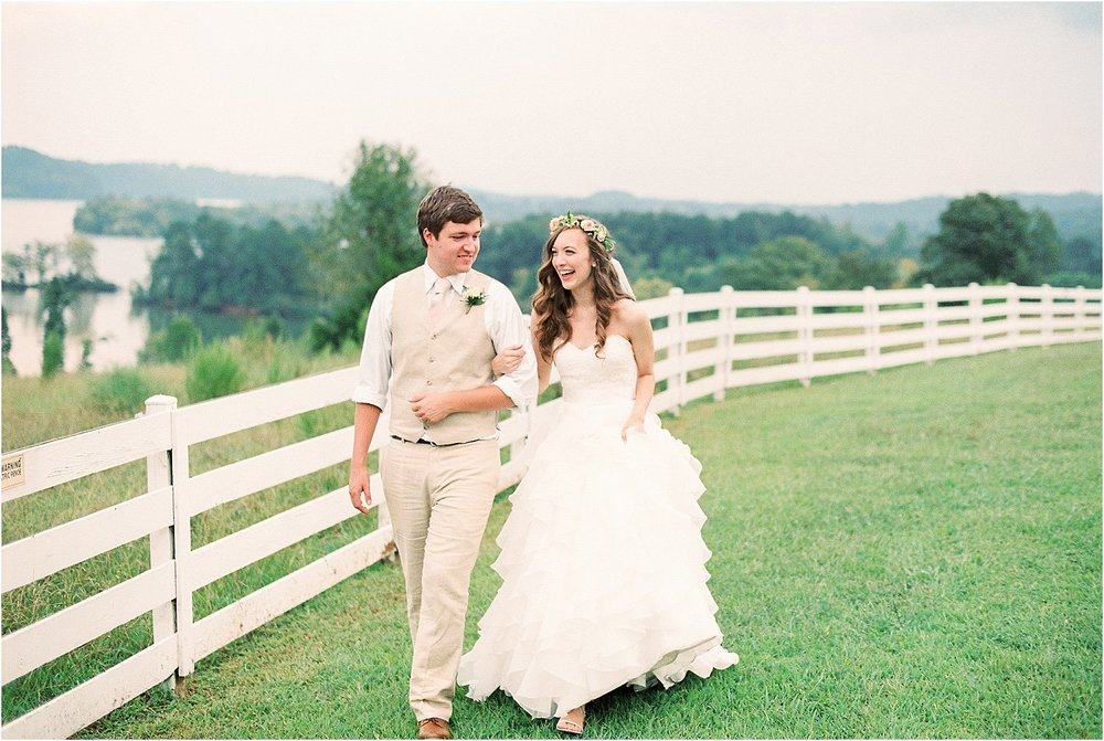 Ashley Amp Matt S Whitestone Country Inn Wedding Knoxville