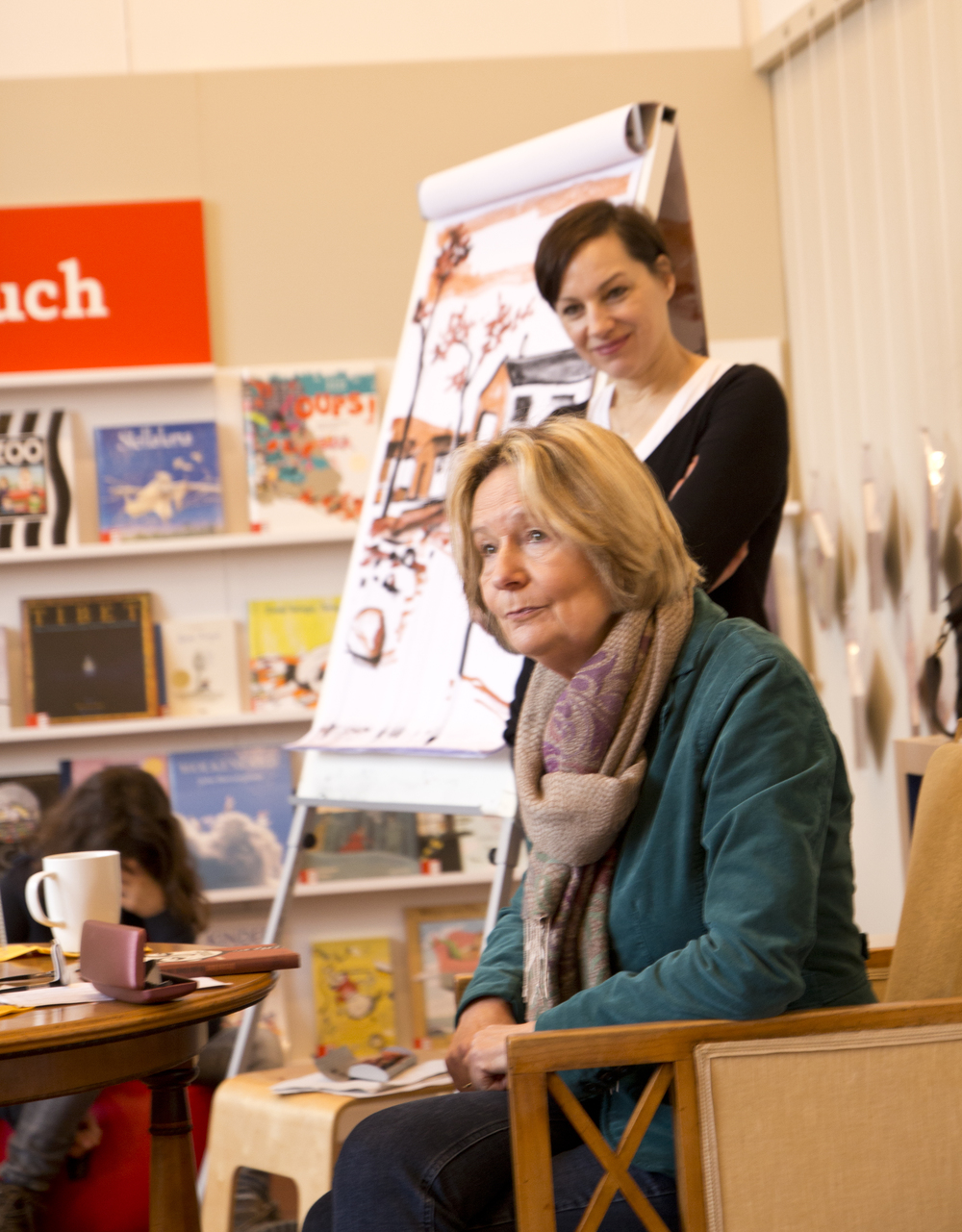 Regina Kehn und Kirsten Boie im Gespräch