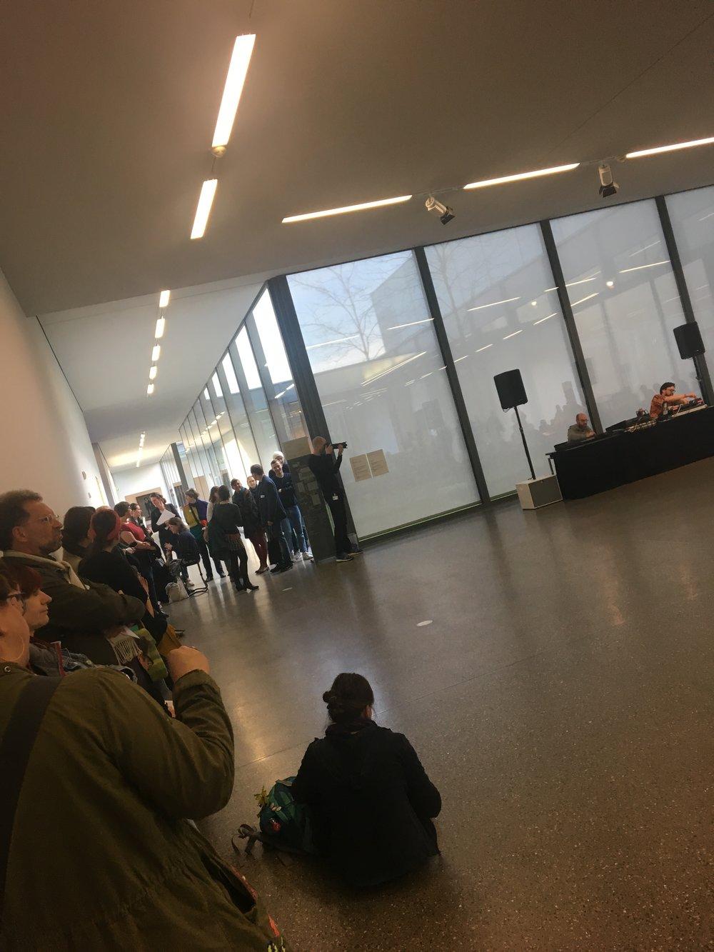 Musikalische Performance Julius Buckelt und Achim Zepezauer - Phase Stifter. 6 1/2 Wochen. Ausstellung Julius Bockelt. Museum Folkwang
