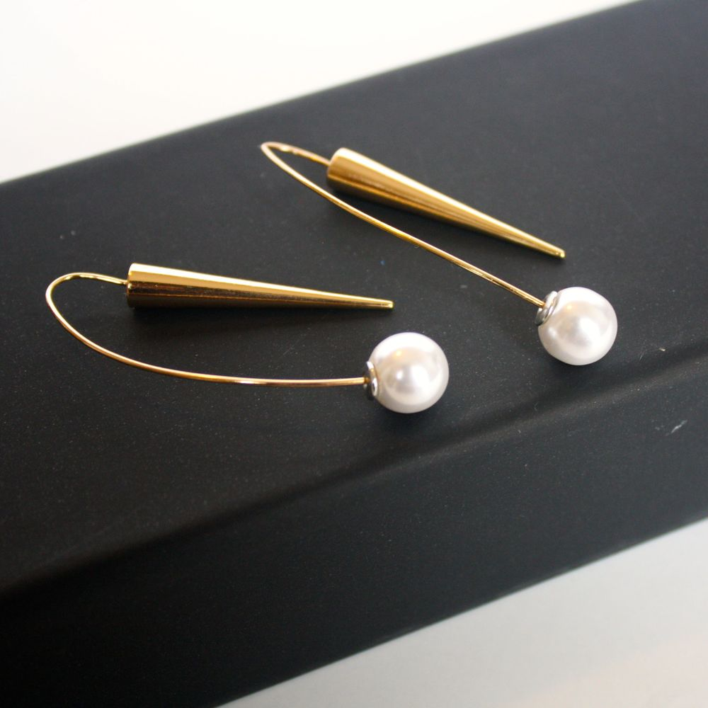 diy spike threader earrings with pearl studs christene carr