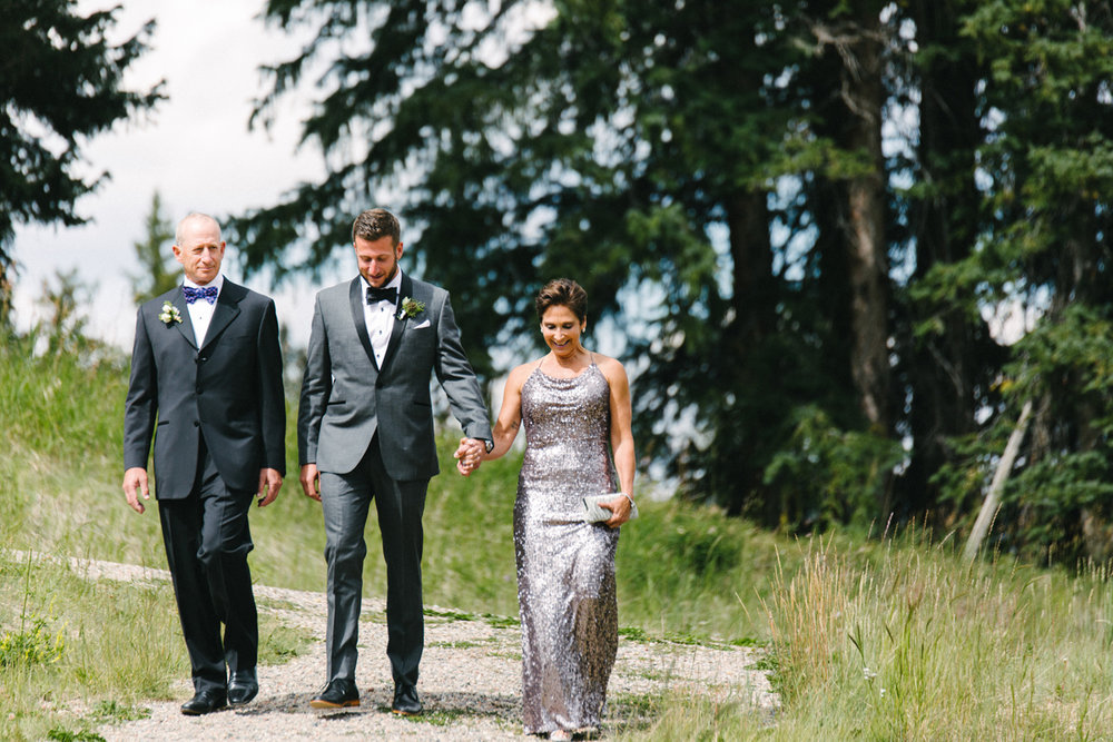 104-beaver-creek--groom--wedding-processional--family.jpg