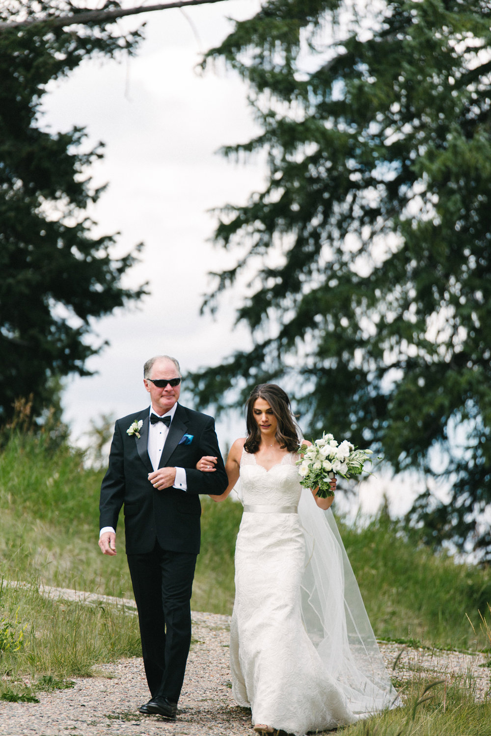 113-beaver-creek--bride--wedding-processional--dad.jpg