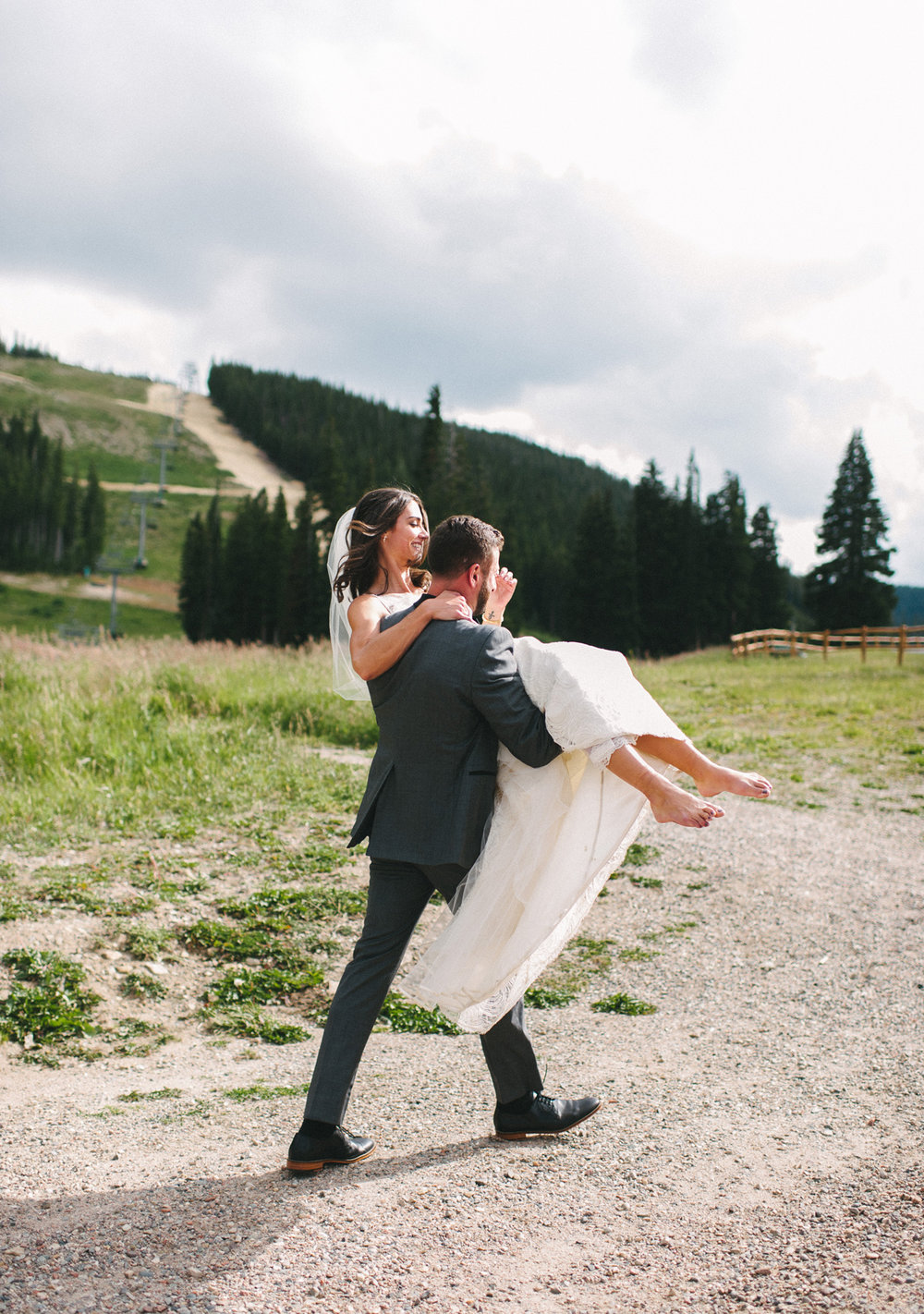 362-beaver-creek--couple--portrait--mountain-top.jpg