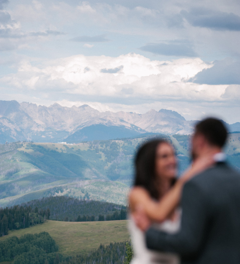 374-beaver-creek--couple--portrait--mountain-top.jpg