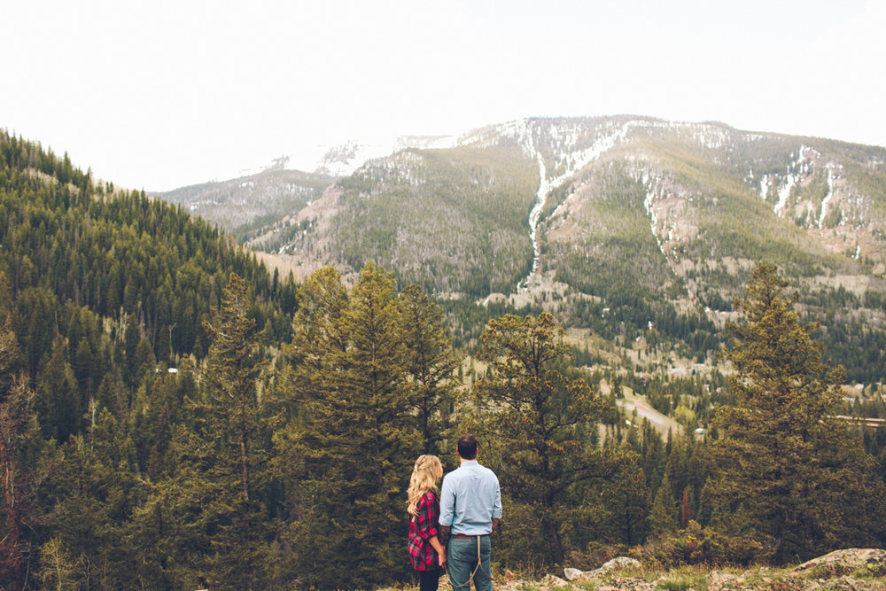 048-elopement--photography--colorado--mountain--vail--snow--intimate--wedding.jpg