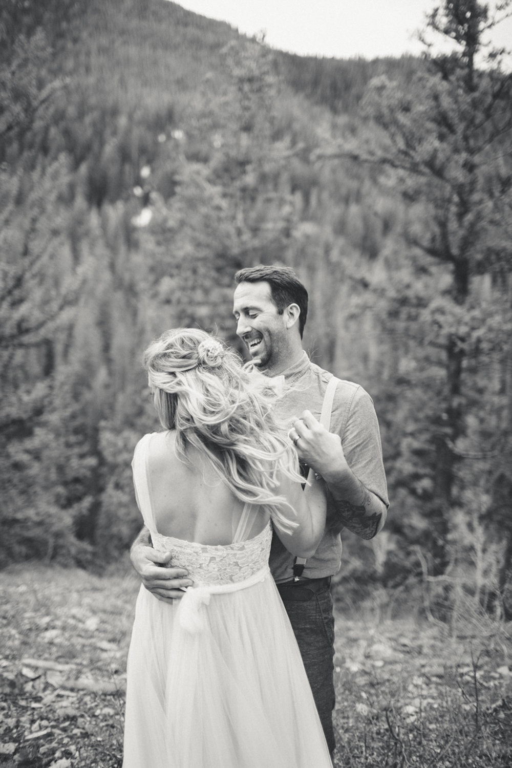 141-elopement--photography--colorado--mountain--vail--snow--intimate--wedding.jpg