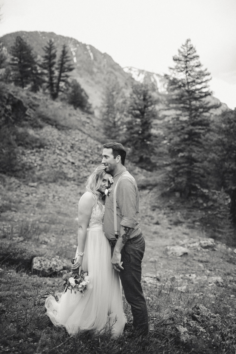 160-elopement--photography--colorado--mountain--vail--snow--intimate--wedding.jpg