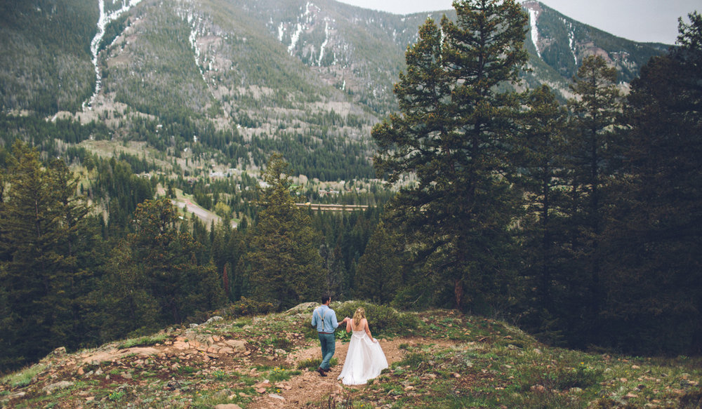 165-elopement--photography--colorado--mountain--vail--snow--intimate--wedding.jpg