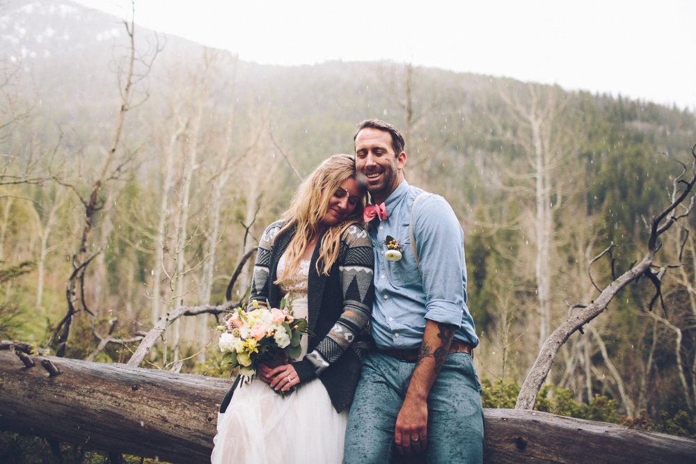 169-elopement--photography--colorado--mountain--vail--snow--intimate--wedding.jpg