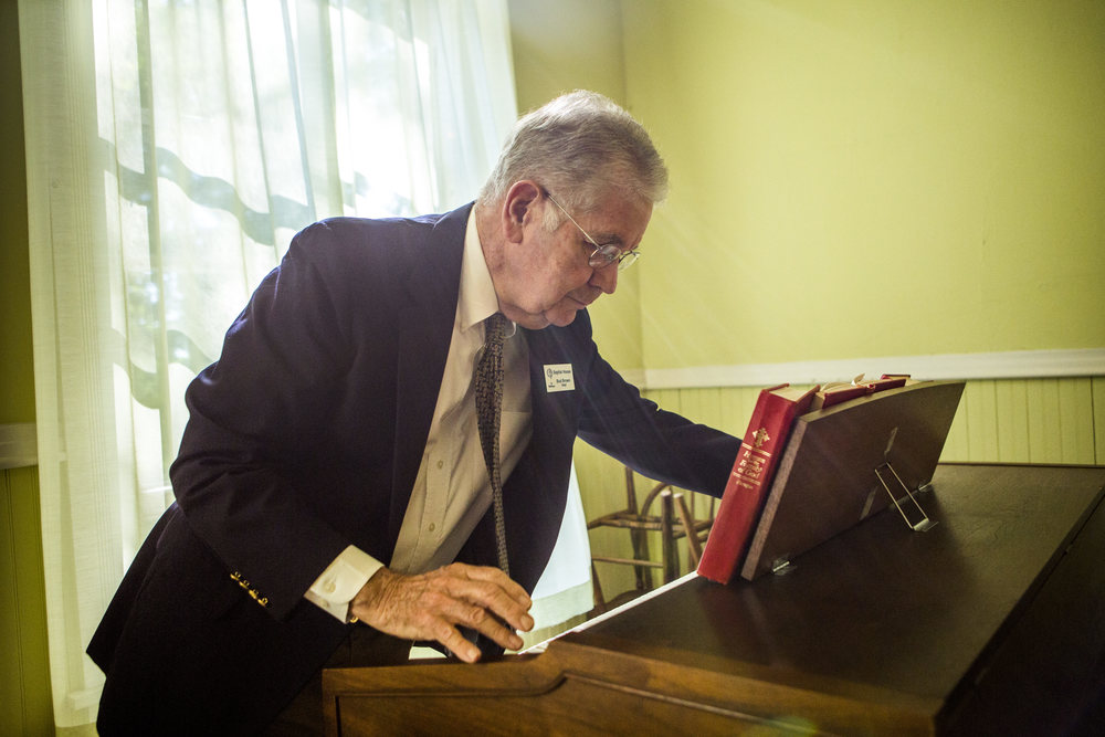 Every Sunday the Baptist House holds worship led by their Chaplain of the week and attended by guests and Baptists from outside of the Institution. During the worship, Bud plays the organ and accompanies a guest pianist.
