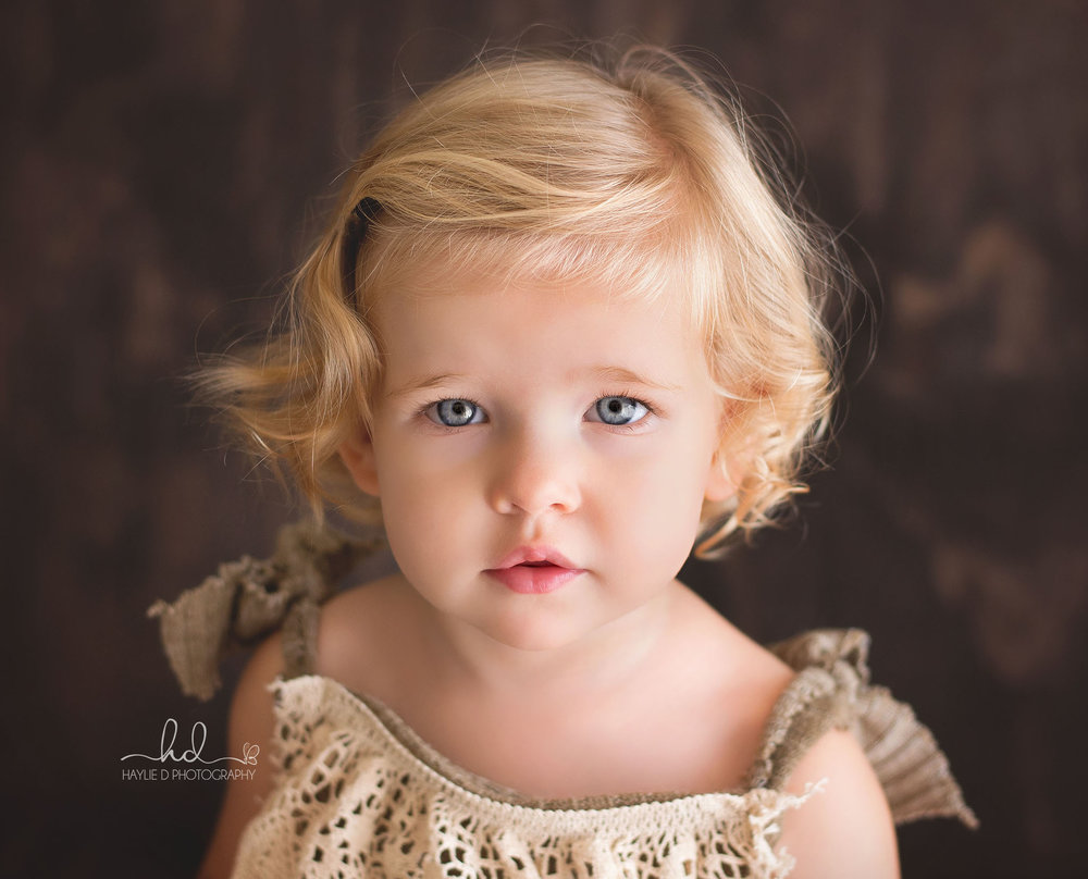 gold caost baby photographer haylie D