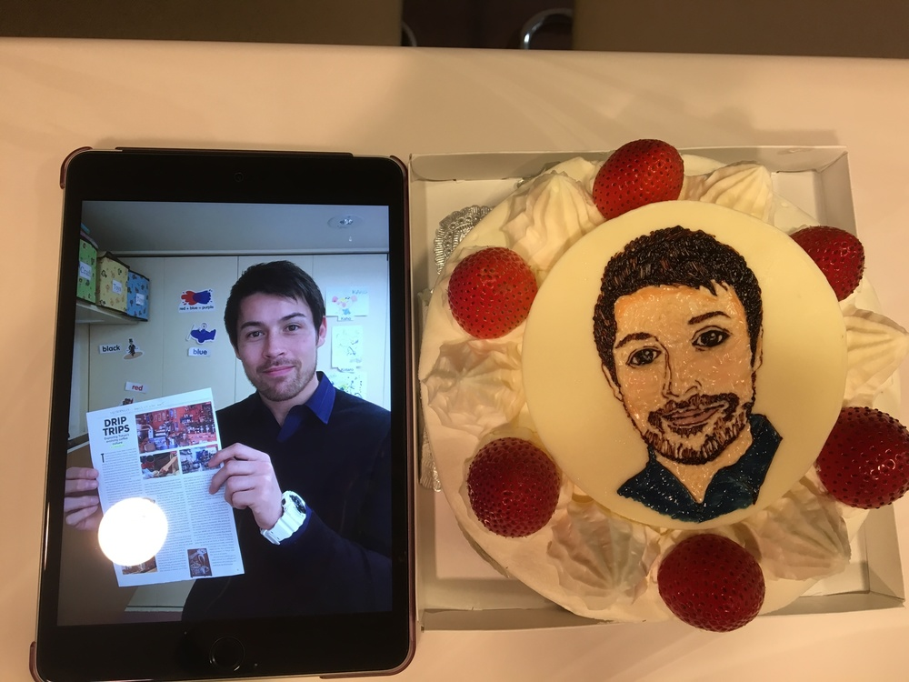 ※特別なケーキはこちらです!Hengteeにそっくりですよね。 (光が入ってしまい、見づらく申し訳ありません。)