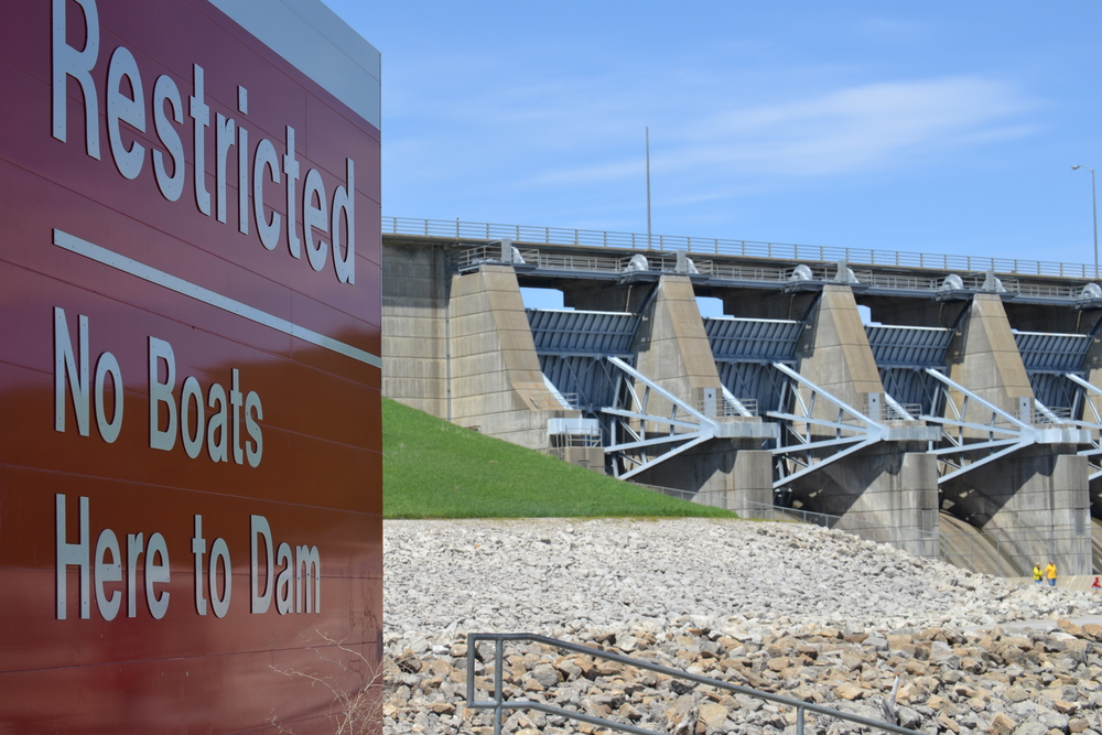 Lake Red Rock Dam