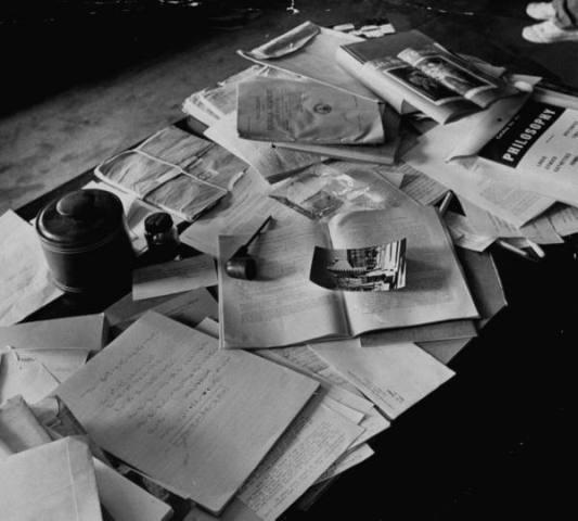 vintage-messy-desk.jpg