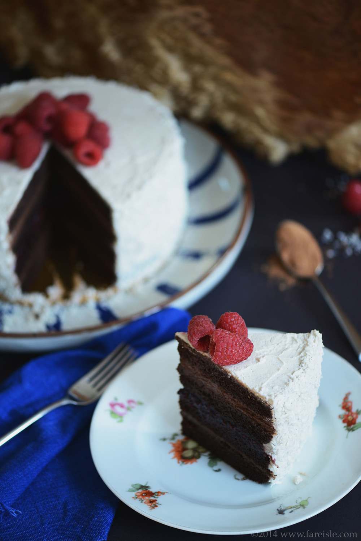 fare isle ultimate vegan chocolate cake 4.jpg
