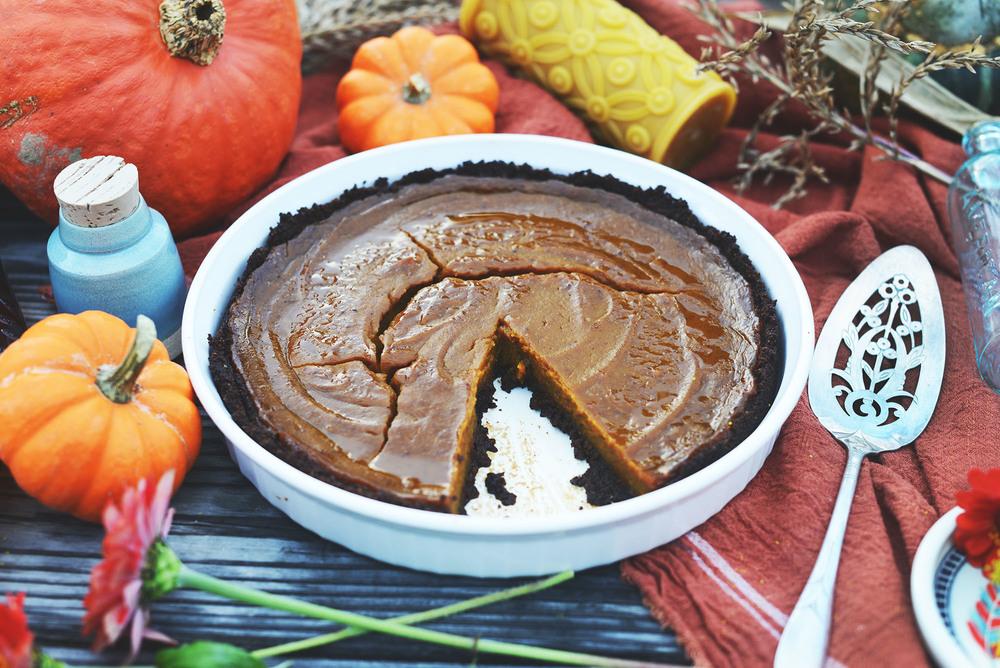 Vegan Pumpkin Pie Recipe via Fare Isle