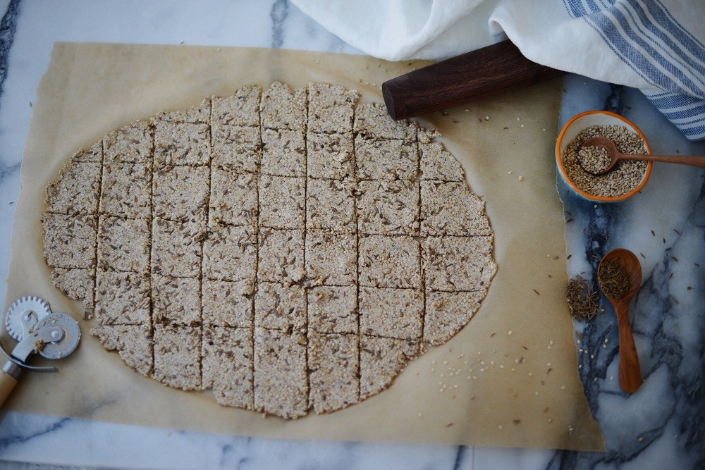 Fare Isle | Seeded Quinoa Crackers - Vegan & GF