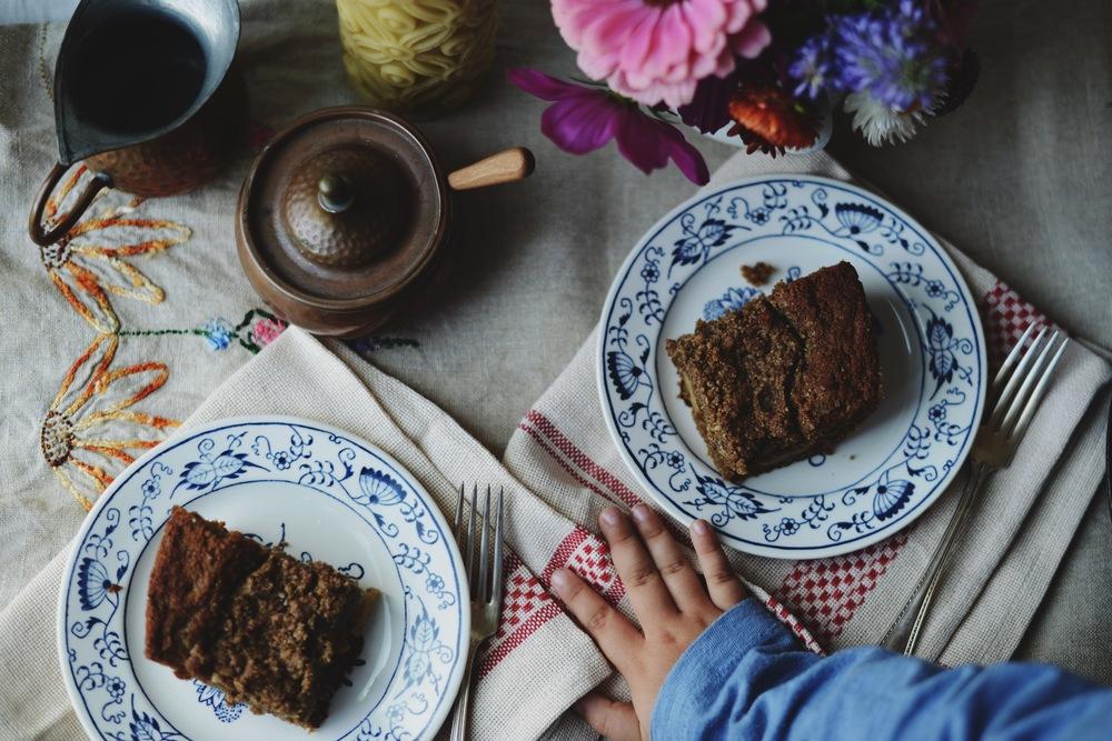 Fare Isle | Skillet Apple Oat Crumb Cake