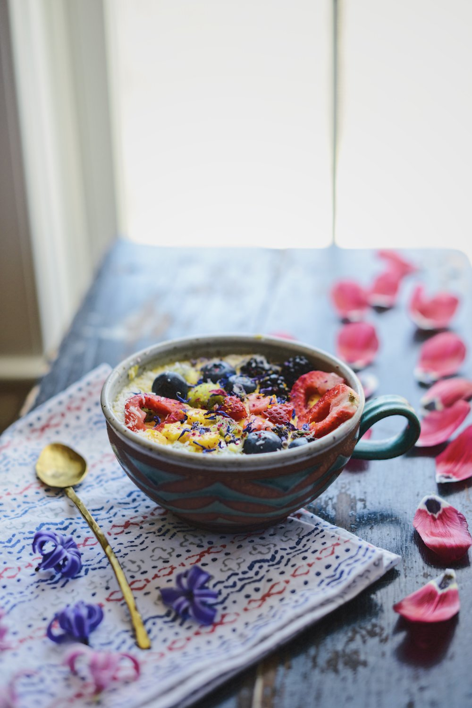Fare Isle x Coyuchi: Mango Sunshine Smoothie Bowl - Vegan & Gluten Free