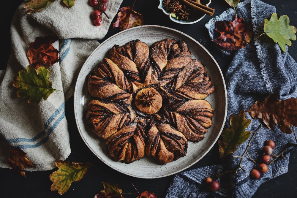 Fare Isle | Sourdough Chai Spice Star Wreath - Vegan Friendly