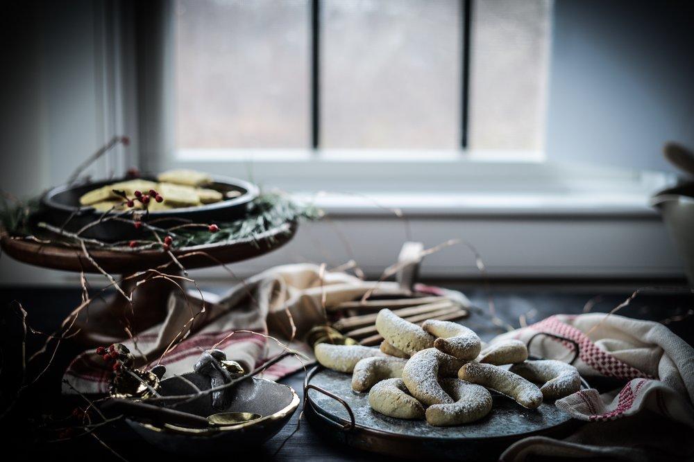 Fare Isle | Vegan Vanilla Crescent Cookies (Vanilkove Rohlicky / Vanillekipferl)