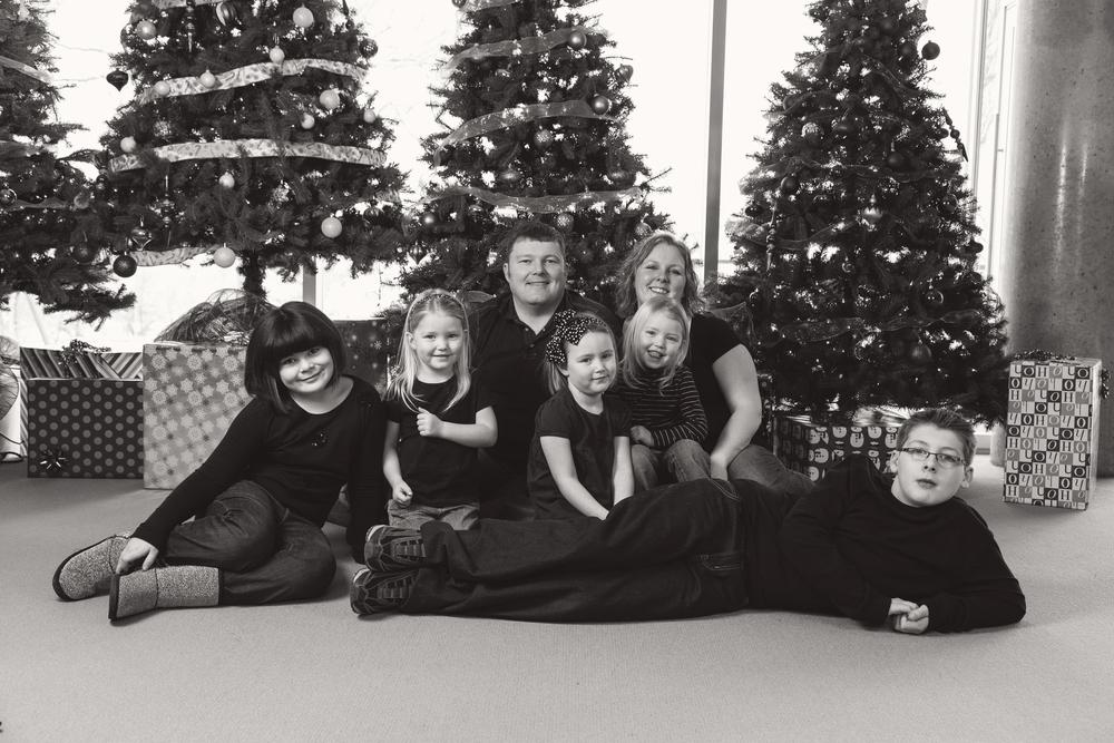 Family_Photos_13-12-21_0001_bw.jpg