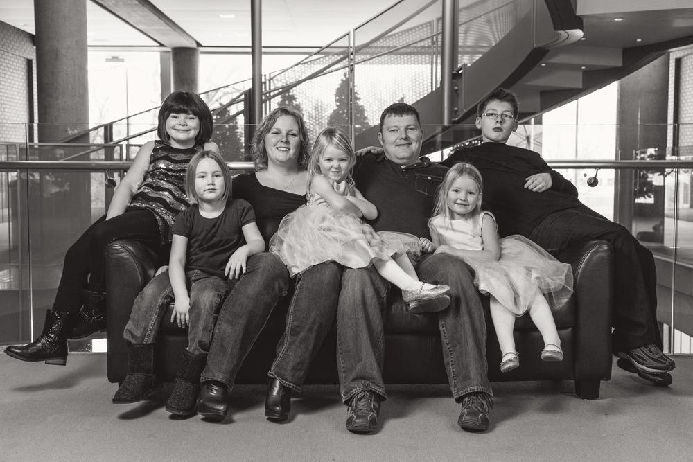 Family_Photos_13-12-21_0041_bw.jpg