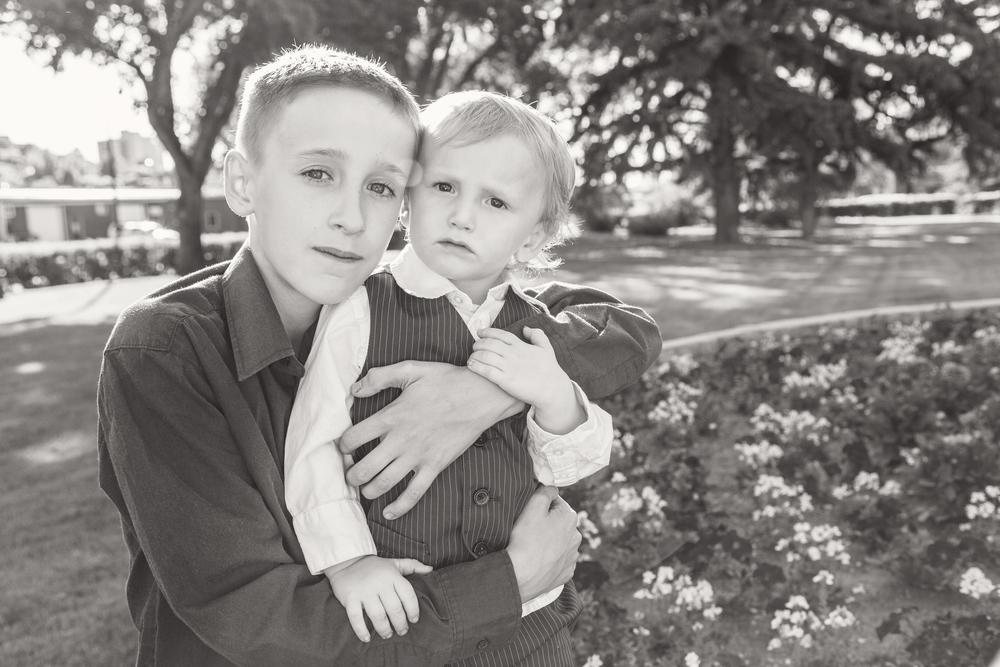 Family_06-2014_12_bw.jpg