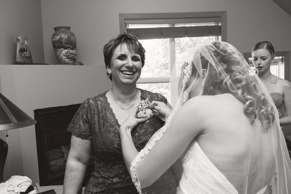 TJ_Wedding_033_bw.jpg