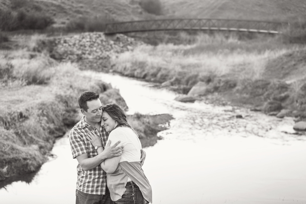 LR_engagement_030_bw.jpg