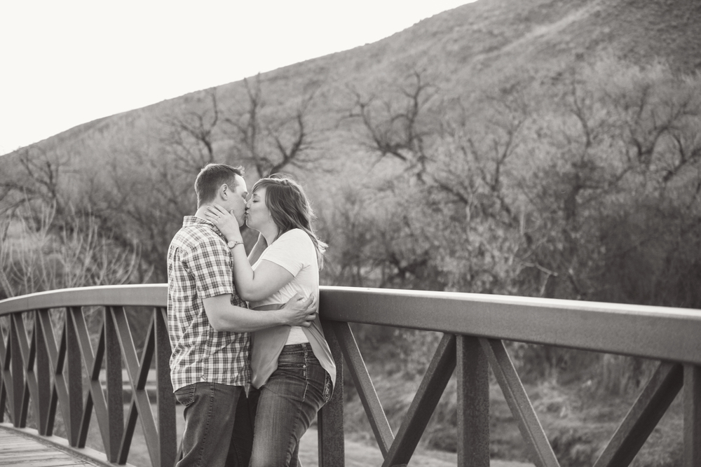 LR_engagement_037_bw.jpg