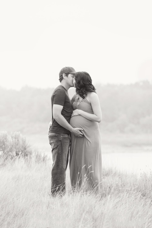 maternity_024_bw.jpg