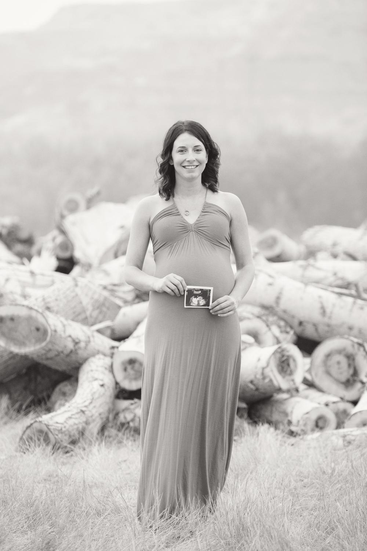 maternity_025_bw.jpg