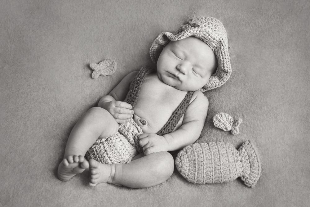 newborn_001_bw.jpg